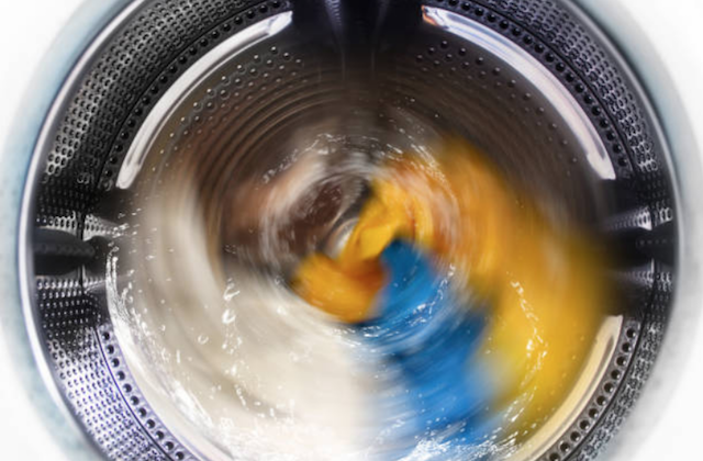 washing machine spinning